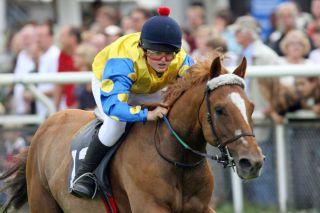 Die Anfänge: Dennis Schiergen mit Millenium beim Ponyrennen 2008 in Hamburg. Foto: www.galoppfoto.de - Frank Sorge