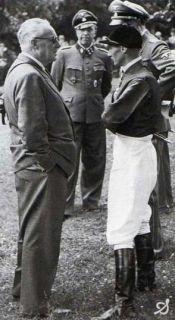 Trainer George Arnull mit Jockey Gerhard Streit vor dem Wehr Dich-Derby.