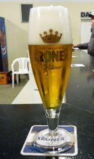 In Dortmund gibt's natürlich auch Dortmunder Bier, selbst wenn Kronen mittlerweile zur Oetker-Gruppe gehört. Karina Strübbe