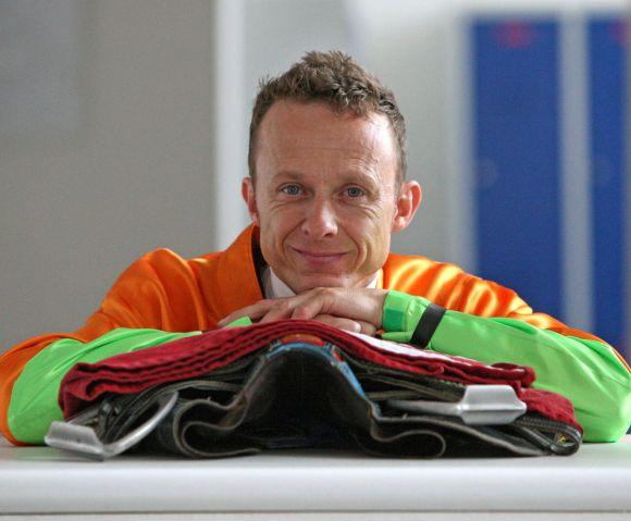 Gehört jetzt mit ebensoviel Siegen zum exklusiven Club 1000 - Jockey Andre Best. www.galoppfoto.de - Frank Sorge