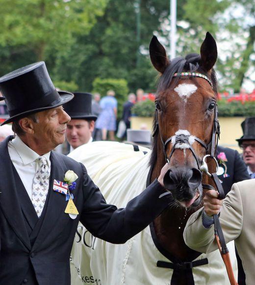 Das Jahrhundertpferd wird für immer mit seinem Namen verbunden sein: Sir Henry Cecil und Frankel nach dem Sieg in den Queen Anne Stakes im Juni 2012. www.galoppfoto.de - Frank Sorge