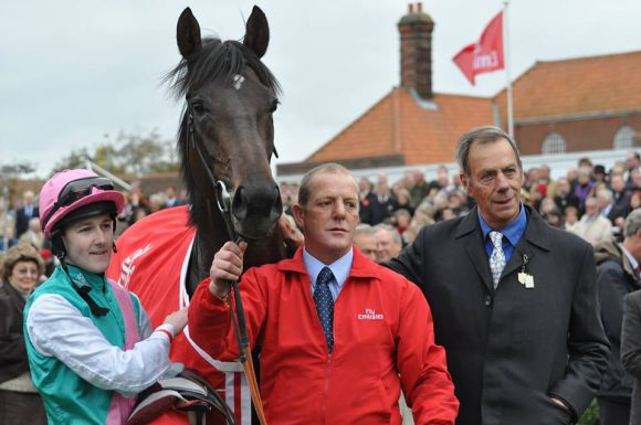 Trainer Henry Cecil mit Twice Over beim Champions-Meeting in Newmarket 2009. Foto: John James Clark